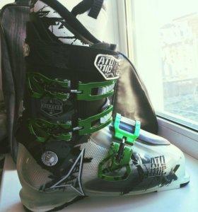 Горнолыжные ботинки atomic Waymaker flex 90