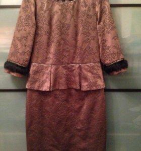 Платье с баской. Размер 46-48