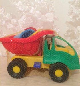 Машинка с ведерком и формочками