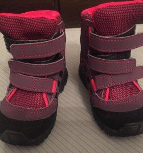 Детские кроссовки демисезонные adidas