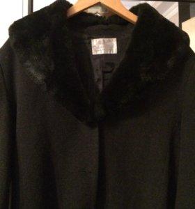 Продам пальто чёрного цвета!!!