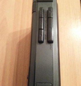 Диктафон Sanyo M1018A, Плеер Panasonic RQ-V164