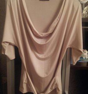 Блузка нарядная  оцень легкая.