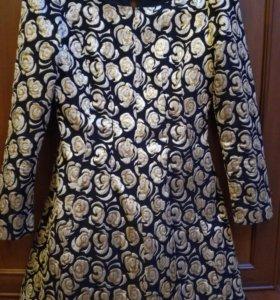 Платье очень хорошее качество