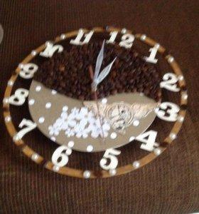 Часы из кофейных зерен