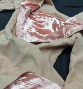 Платье. Цвет: насыщенный персик.Бренд:MAX MARA.S-M
