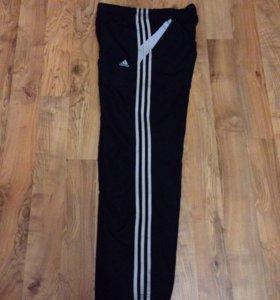 Продам новые красивые брюки оригинал размер L -50