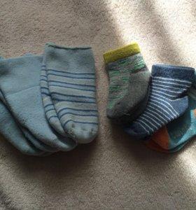 Носочки и пинетки для малыша