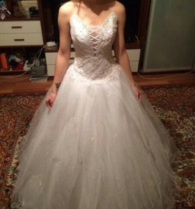 Свадебное платье, торг уместен