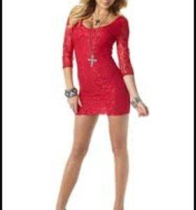 Красное кружевное платье Melrose.