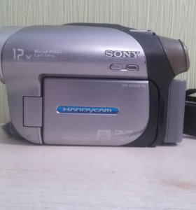 Камера Sony (DCR-DVD203E)