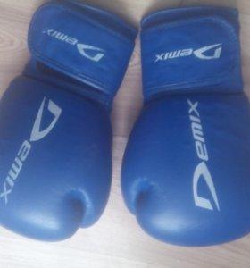 Перчатки боксёрские 89525164781