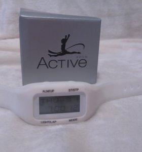 Спортивный трекер шагомер и часы-будильник от Авон