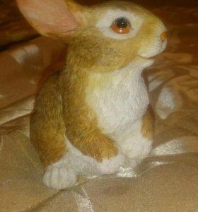 Статуэтка.фигурка кролик