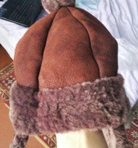 Шапка из дубленой кожи