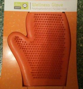 Резиновая перчатка для вычесывания шерсти
