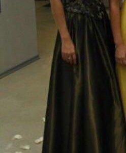 Продам платье чёрное золото