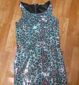 Платье в поедках