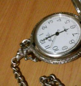 Карманные часы с цепочкой