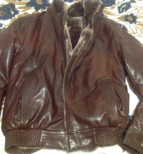 Куртка новая, кожаная, на натуральном мехе.