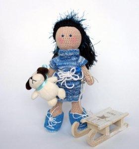Вязаная кукла I'mDoll с собачкой и санками