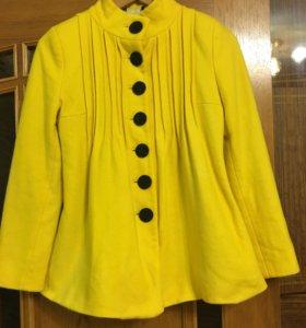 Пальто желтого цвета🍋