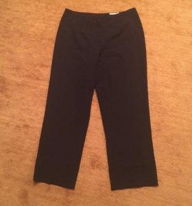 Строгие брюки р. 48