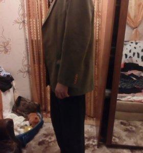 Пиджак осенний цвета хаки