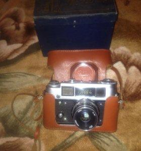 Пленочный фотоаппарат ФЭД-4