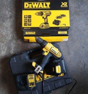 Dewalt DCD771 C2  18 Вольт