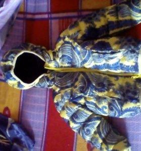 Продам красивую куртку на девочку)