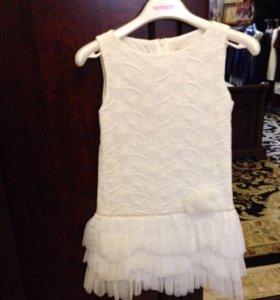 Платье белое р. 122  Польша