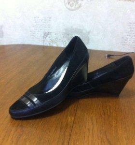 Черные замшевые туфли, р-р 38