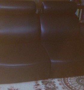 Натур. Кожаный диван