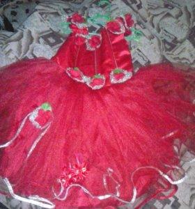Продам срочно платье. На 4- 5 лет