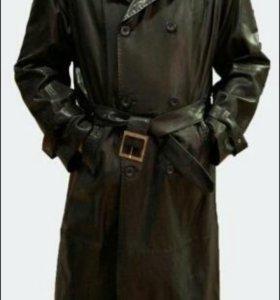 Кожаный плащ, пальто
