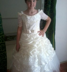 Подростковое очень красивое платье