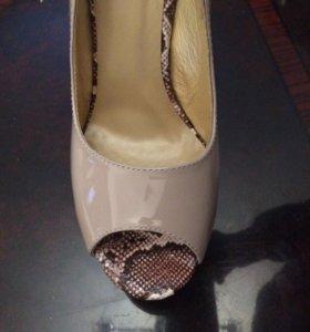 Туфли женские ( новые )