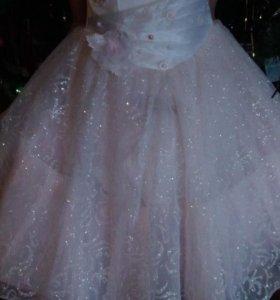 Платье для девочки праздничное,выпускное