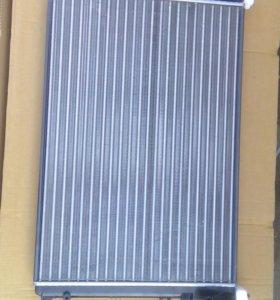 Радиатор и другие запчасти для Рено Логан