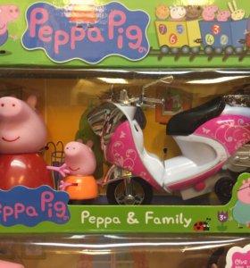 Свинка Пеппа с мотоциклом