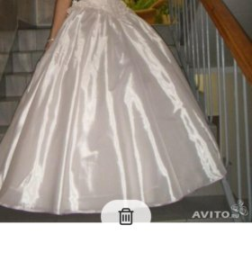 Продам красивое свадебное (выпускное) платье