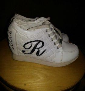 Обувь 37,5