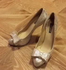 Туфли новые 37 размер