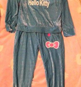 Новый спортивный костюм L