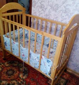 Кроватка детская с матрацом и бортиками