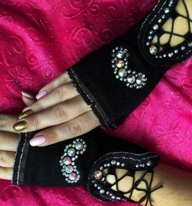 Тёплые кашемировые перчатки Swarovski новые