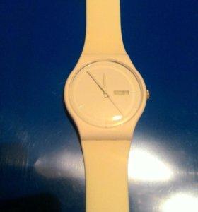 Оригинальные часы Swatch swiss made v8