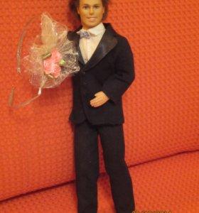 Кен кукла + дополнительный наряд одежды