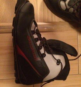 Лыжные ботинки 41-42 размер